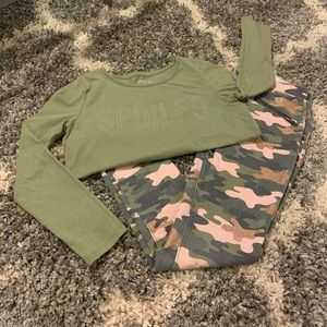🛍 Pink, green, and gold camouflage outfit